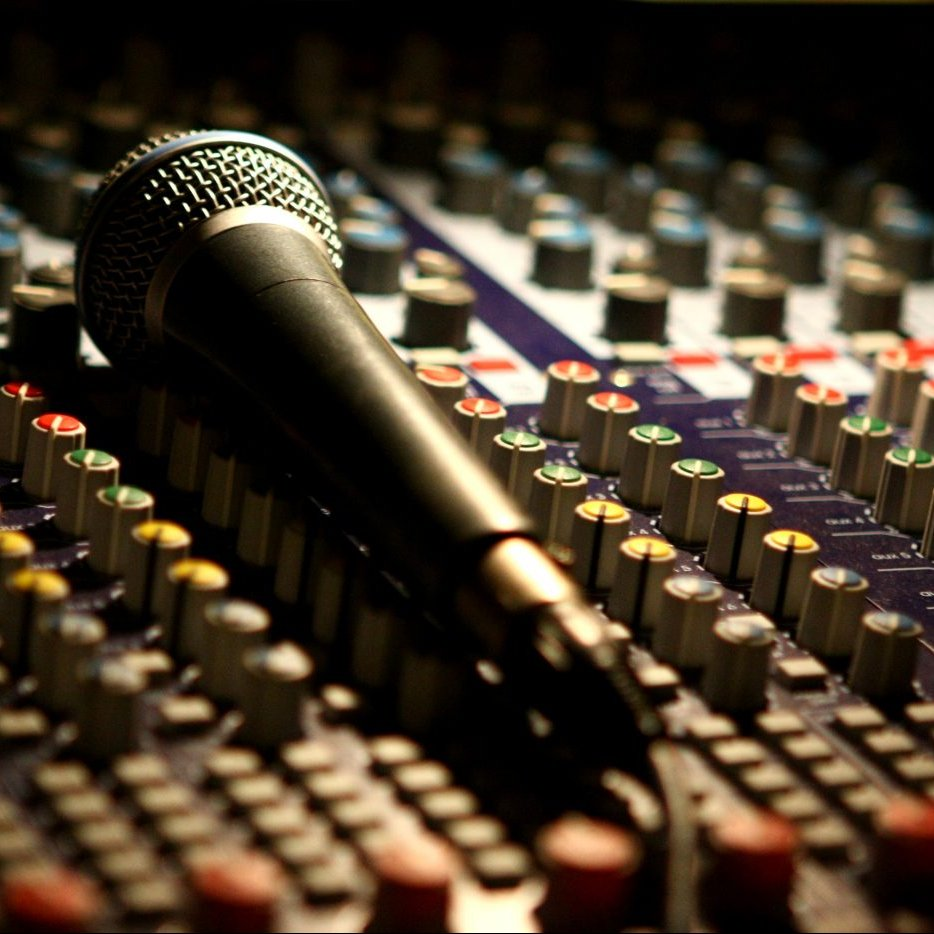 Microphone on a mixing desk
